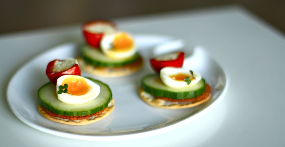 Quail egg and stuffed pepper canapes 100 days of evelyn for Quail egg canape
